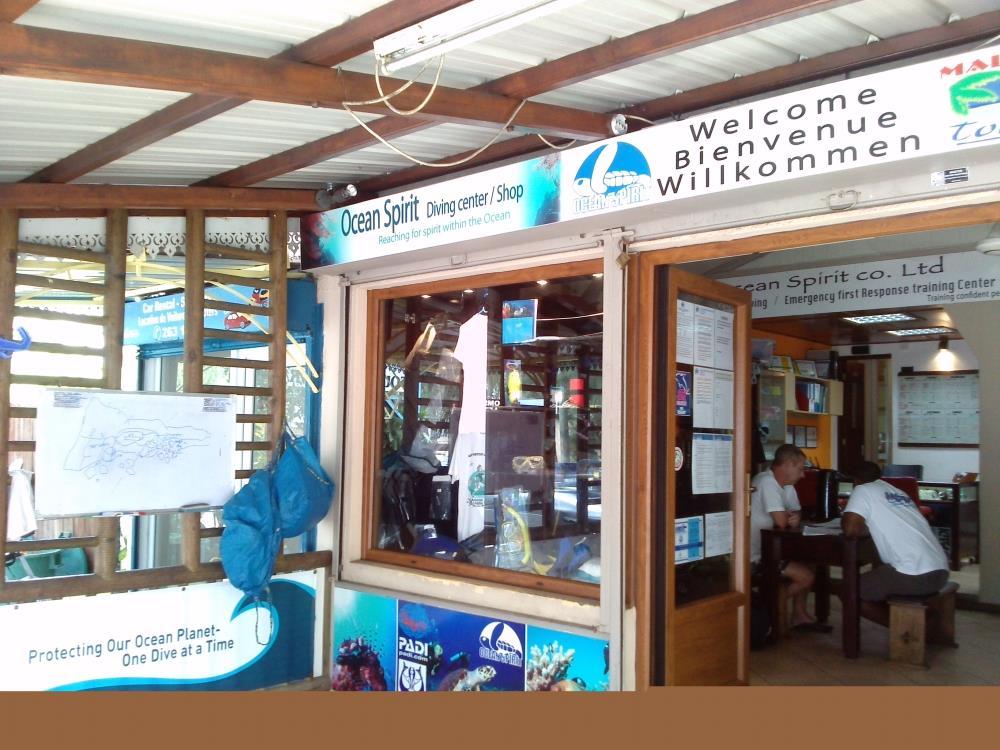 Mauritius ocean spirit dive centre dive shop pereybere for The dive shop