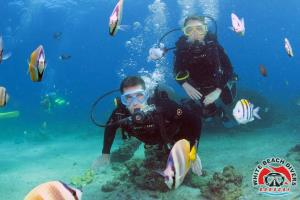 learning to scuba dive with White Beach Divers Boracay