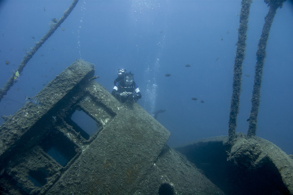 PADI Digital underwater photographer training, El Penon wreck, Tabaiba Tenerife