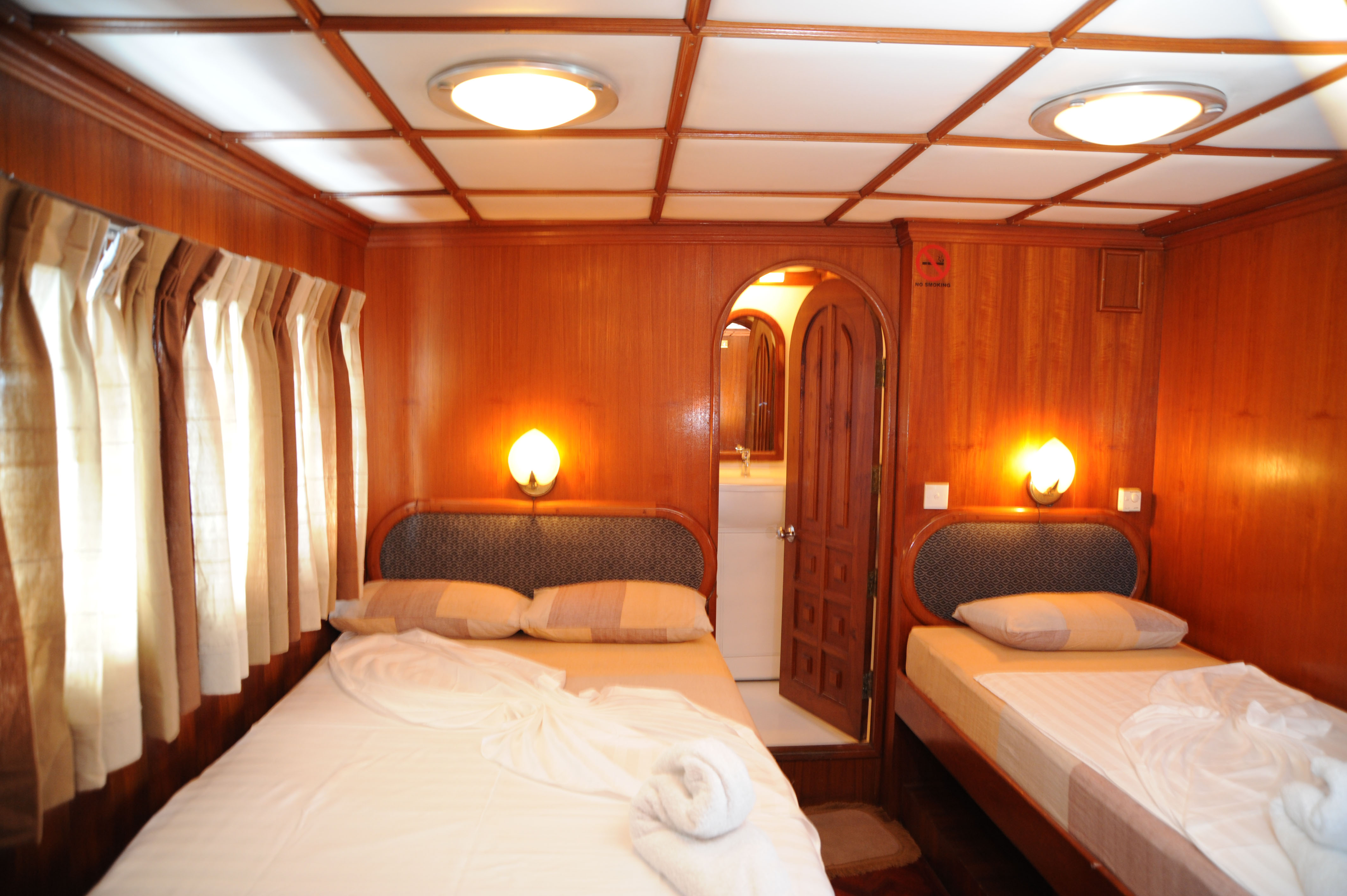 Twin Deluxe Cabin