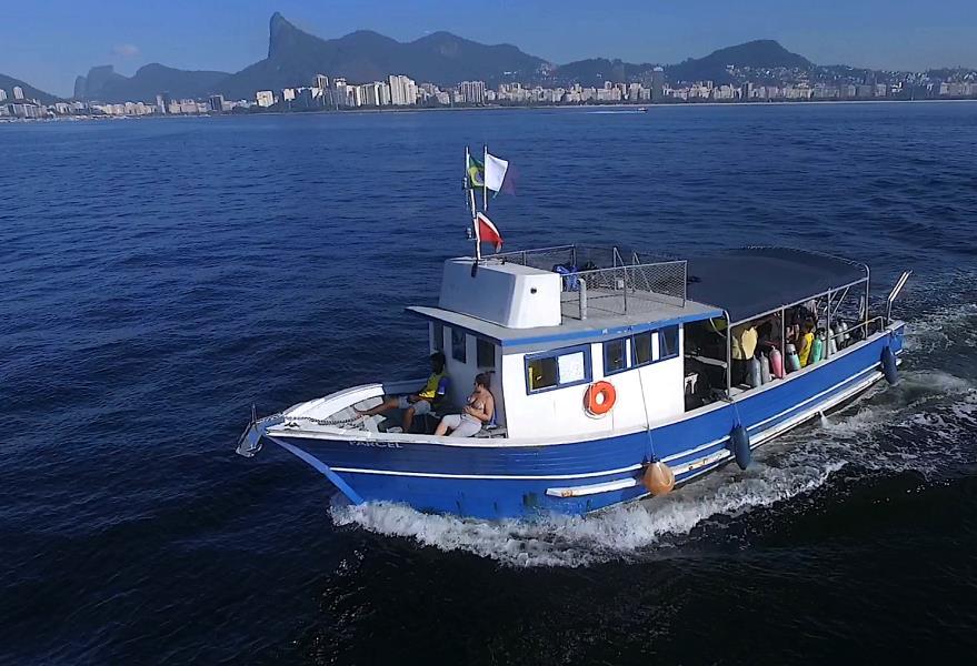 PArcel Dive Boat