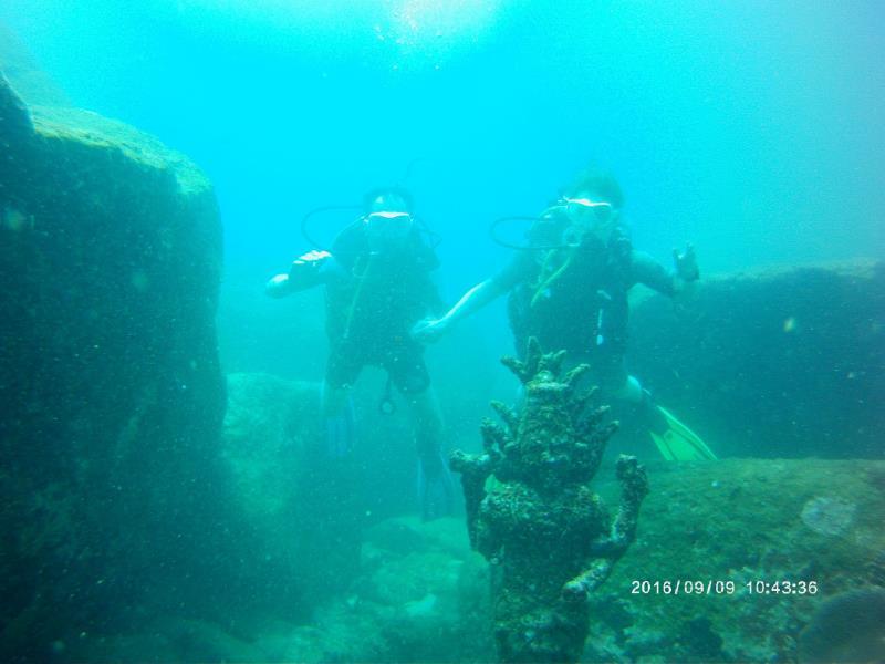 Statue_Divers
