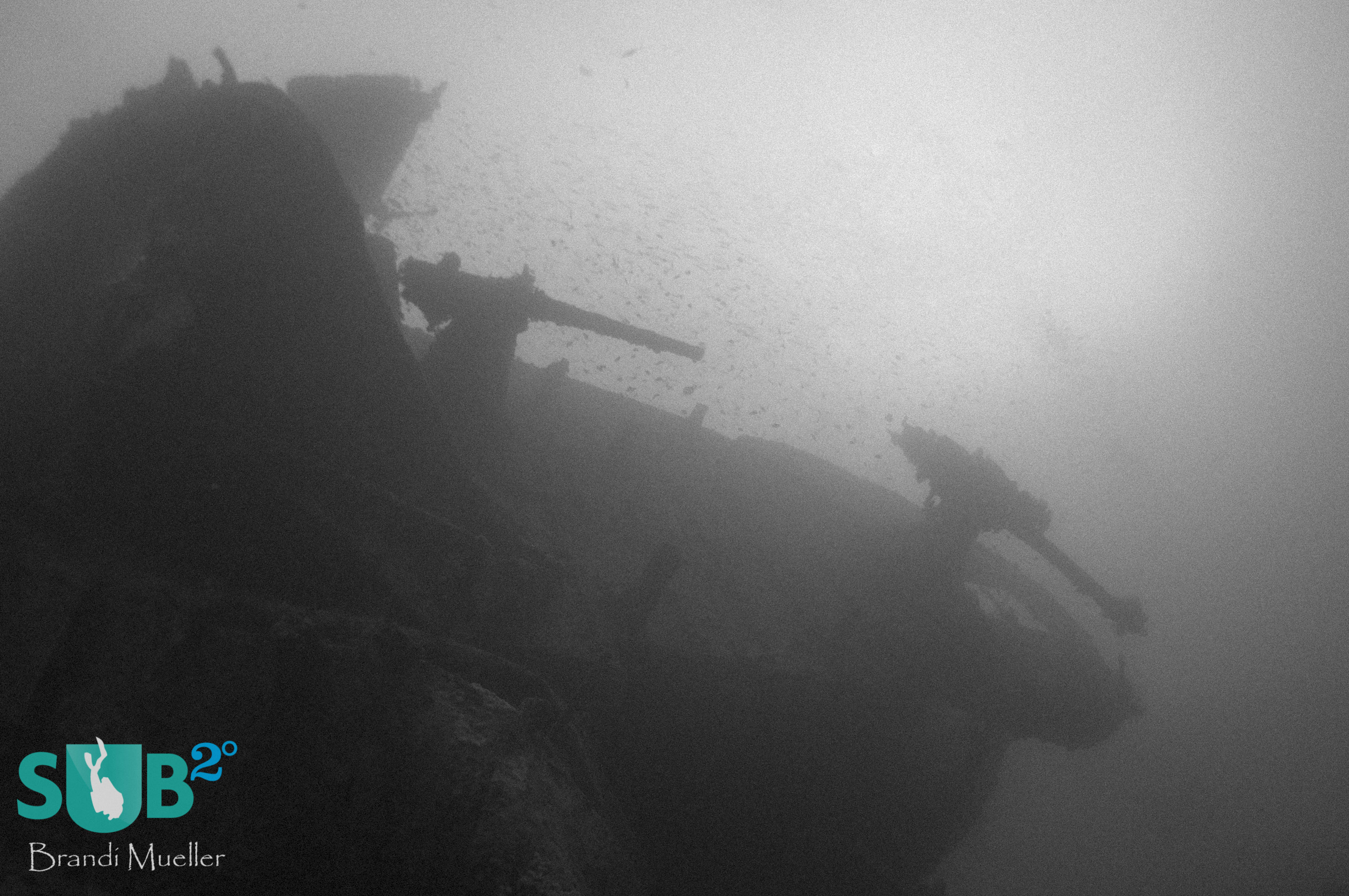 The anti-aircraft and machine guns at the stern of the SS Thislegorm.
