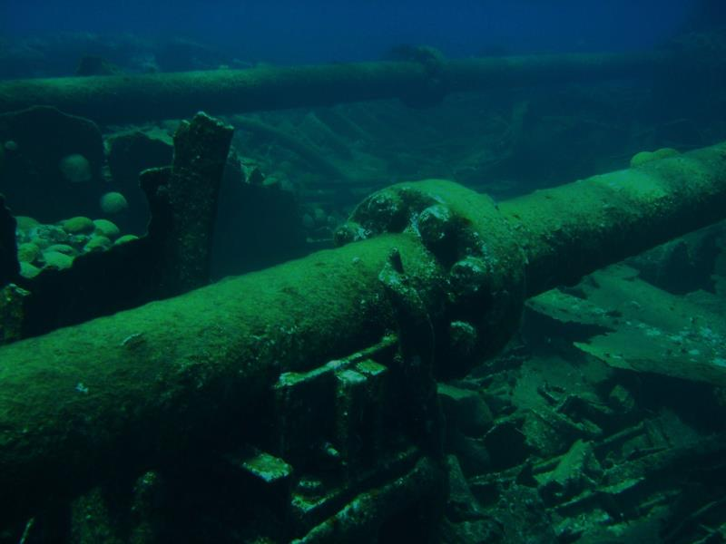 Wreck dive in bermuda