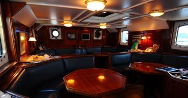 Sea Pearl saloon