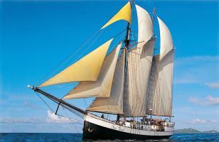 Sea Pearl on sail