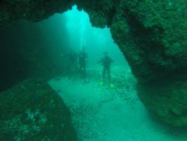 Los Arcos, Bat Islands