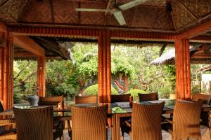 Bar & Restaurant area