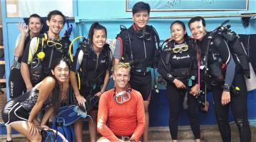 fun at white beach divers
