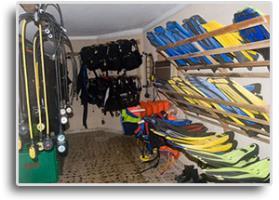 SCUBA Room Gear Reg.& Fins