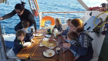 Déjeuner à bord de ATAO