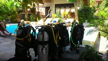 Pool training for Discover Scuba Divers