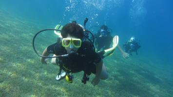 Kid diver