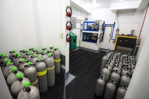 Compressor and Tanks