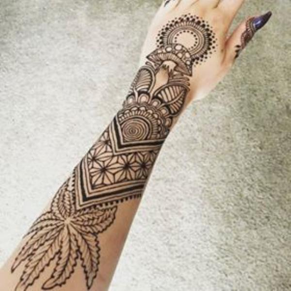 amazing-mehndi-henna-tattoo-for-hand-by-@hennajes