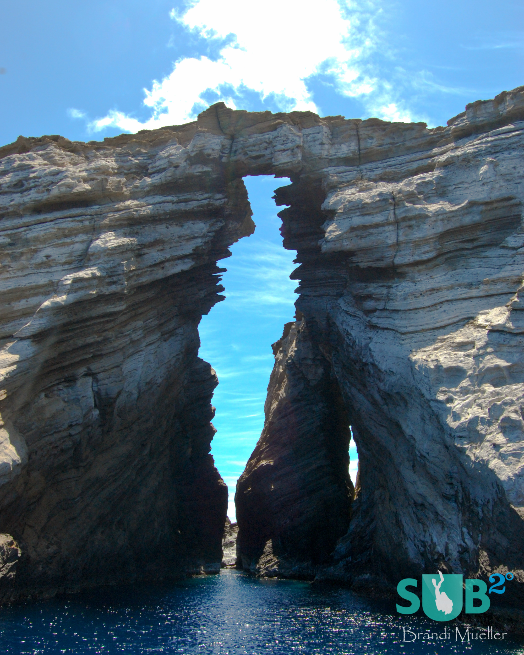 "The start point for divers drifting through the dive site ""Arches."""