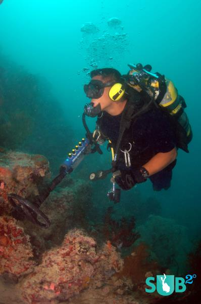 Diving With A Metal Detector