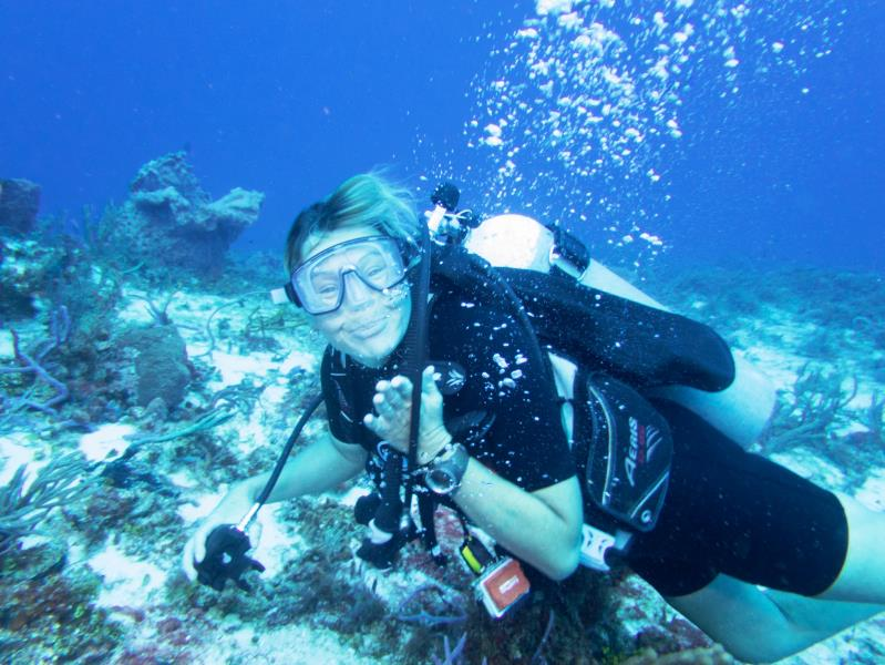 glenda_cozumel_mapleleafscuba_diving_divers