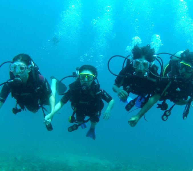 Group-Scuba-Diving-goa-e1454951919835
