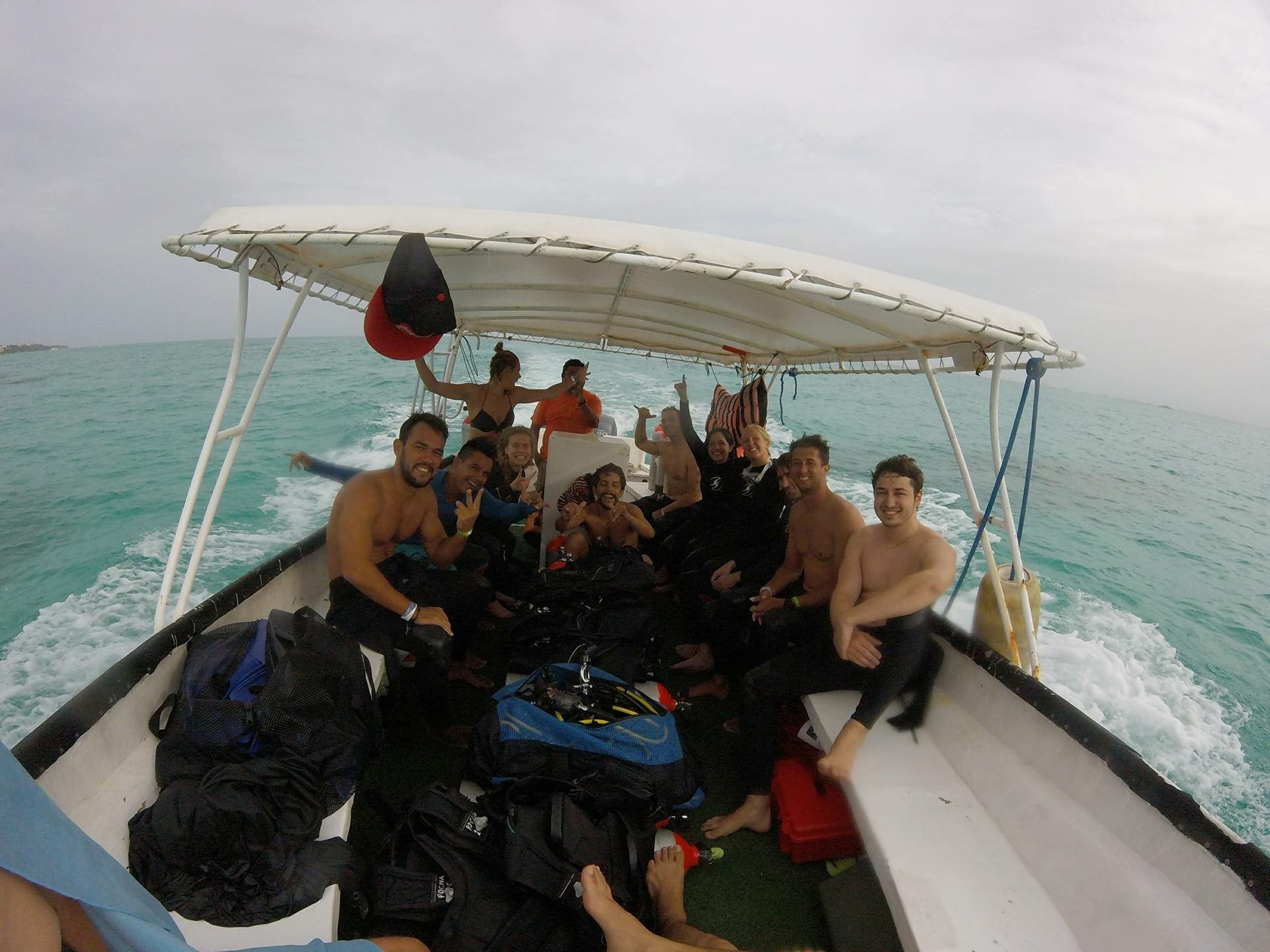 Between dives. Manchones reef is next!