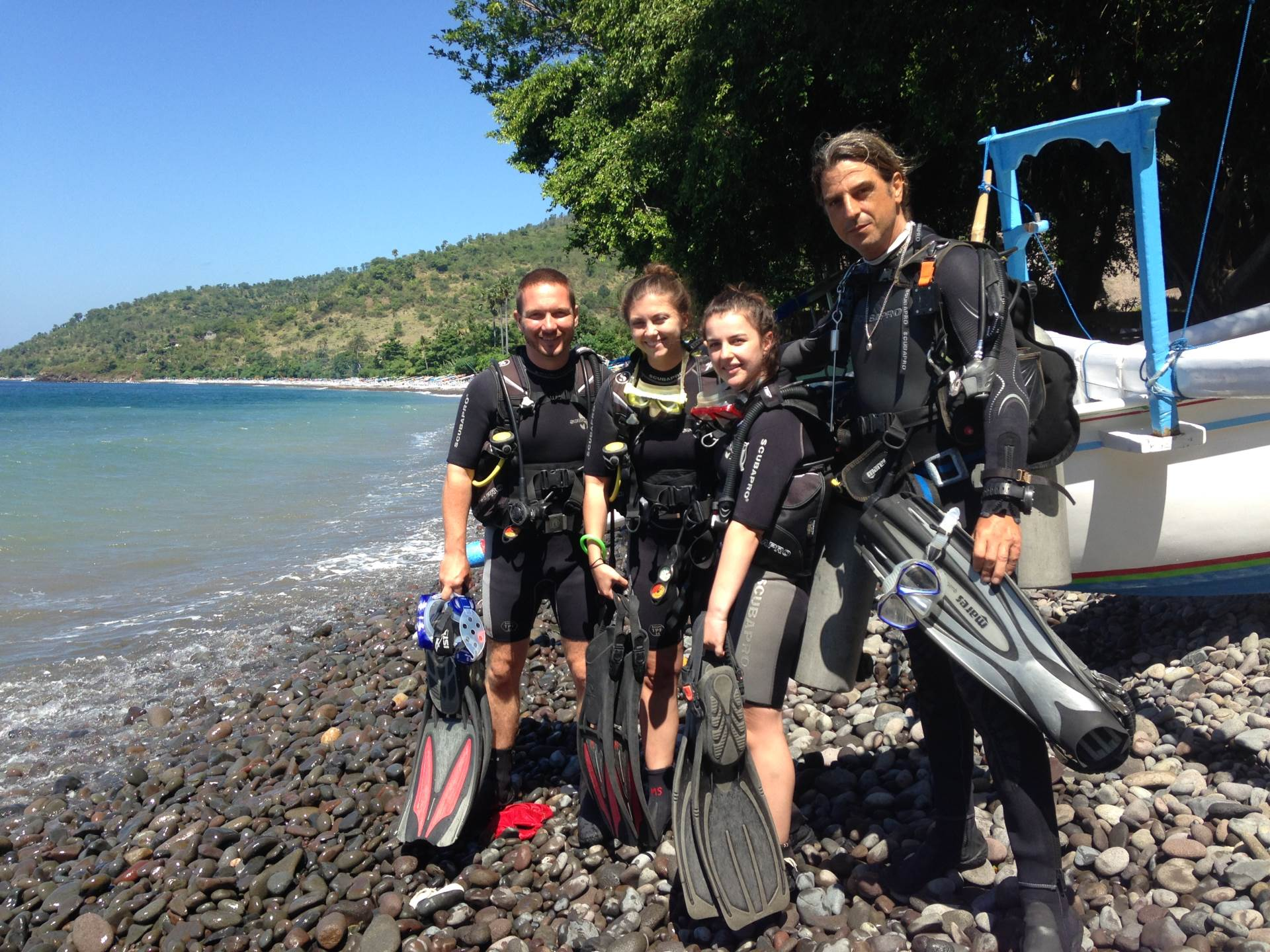 MY PADI Open Water Course with No Fear Diving, the best dive school shop center in Amed Bali.  Mein PADI  Open Water Kurs mit No Fear Diving, der besten Tauchschule in Amed Bali.