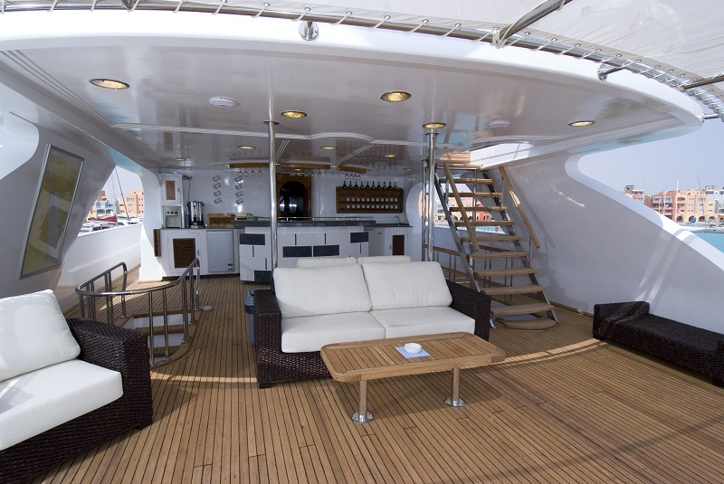 Check out the sun deck of the boat we'll call home for a week....it's going to be a little hard to pull ourselves away to go diving! (not really!!)