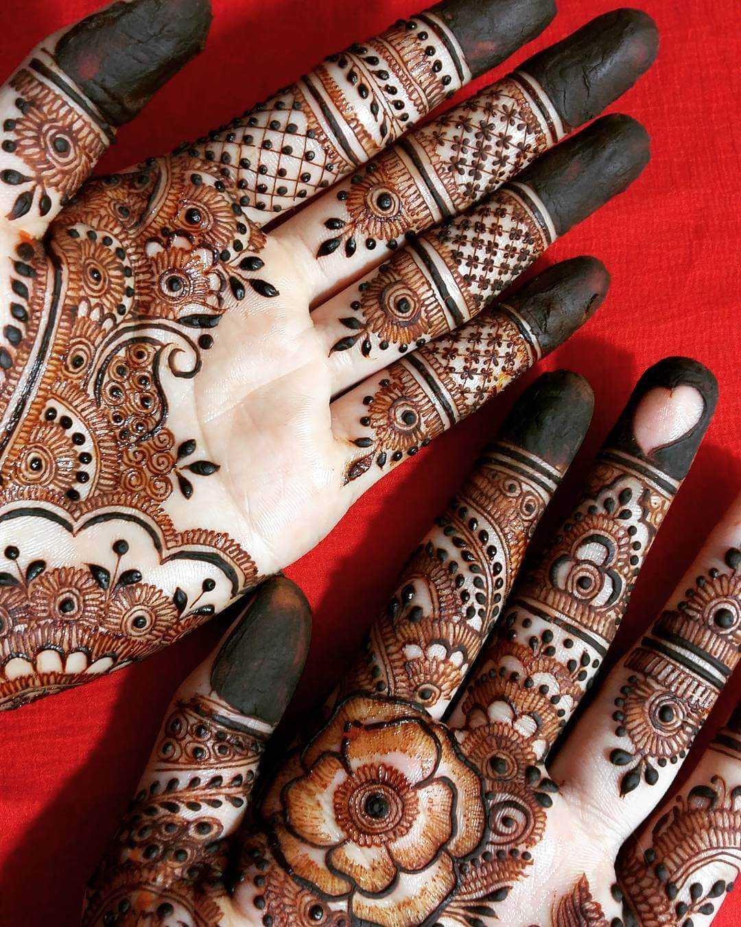 mehndi-designs-for-hands-by@hayats_henna