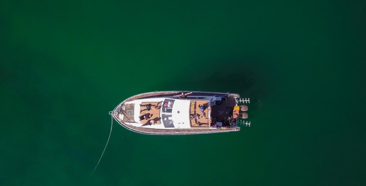 nemo diving boat in fujairah (1)