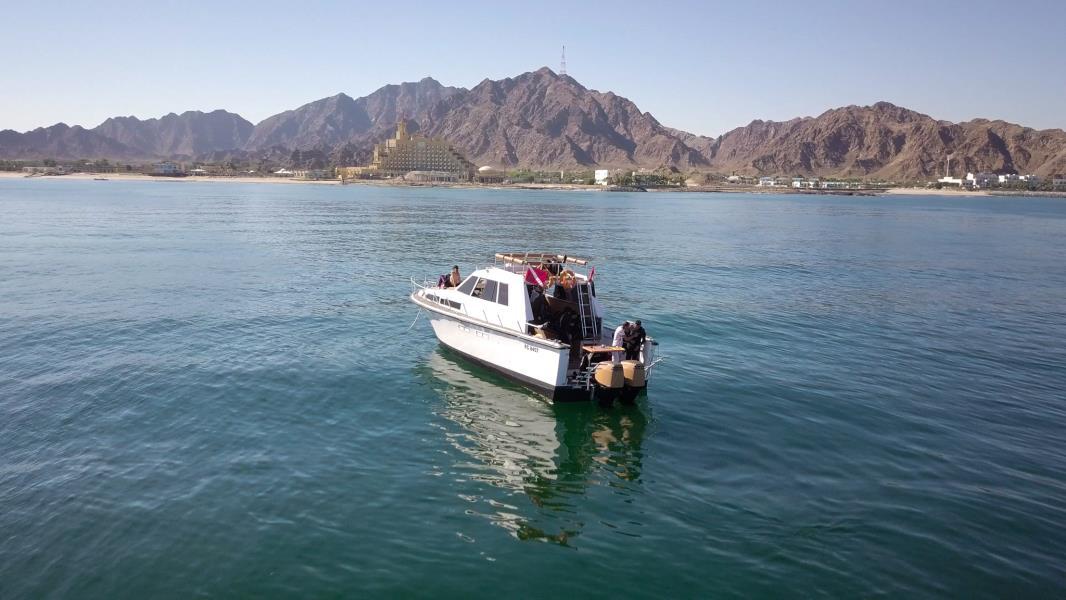 nemo diving boat in fujairah (2)