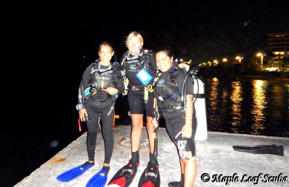nightdiving_mapleleafscuba_cozumel_mexico