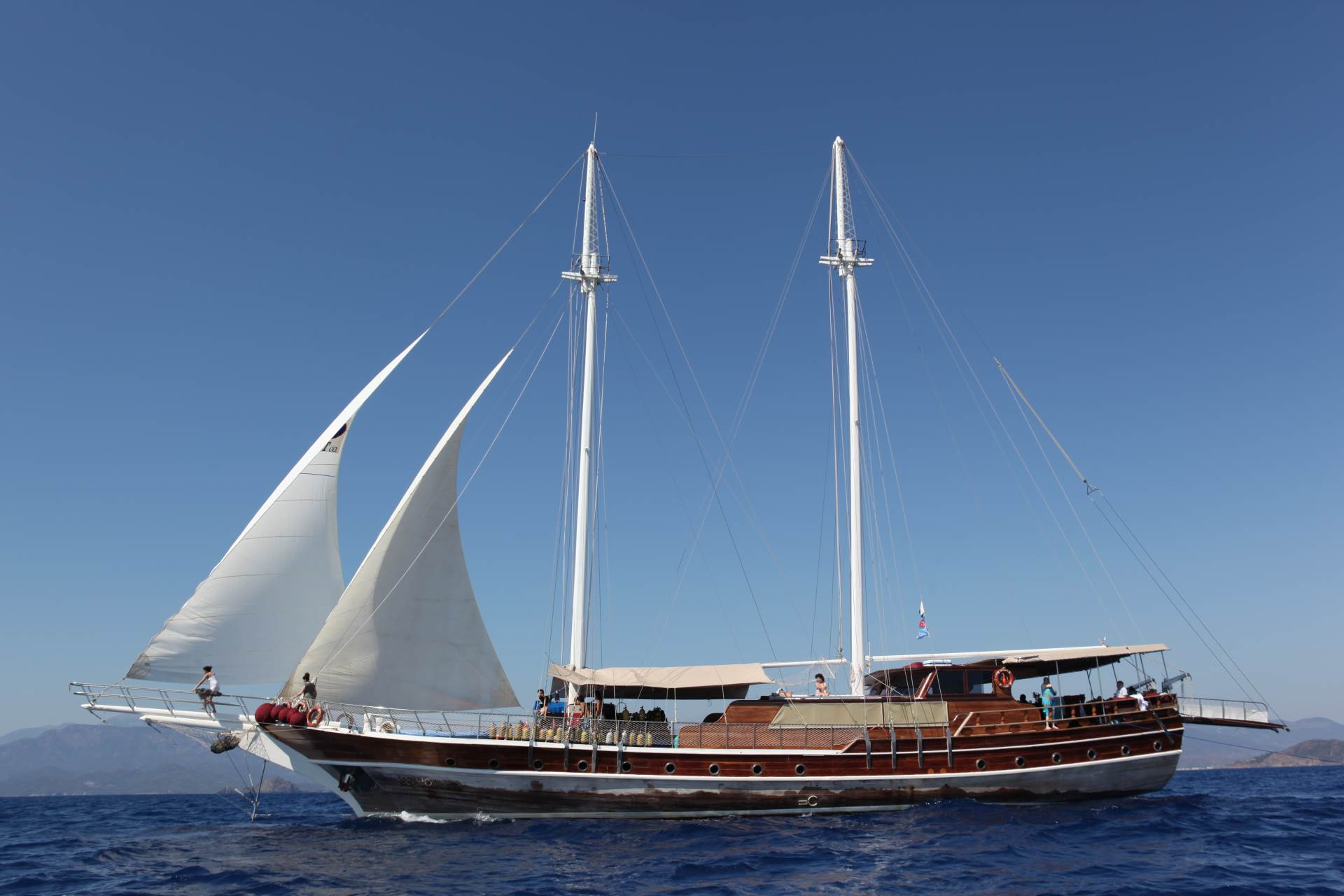 Seahorse - A is a 32 m wooden gulet. She a has 480 hp diesel engine, as well as traditional sail power. There are 7 en suite cabins, most with air conditioning. Hot water is available 24 hours a day. There is a TV, DVD player and a CD player as well a small on board library of books, films and music.