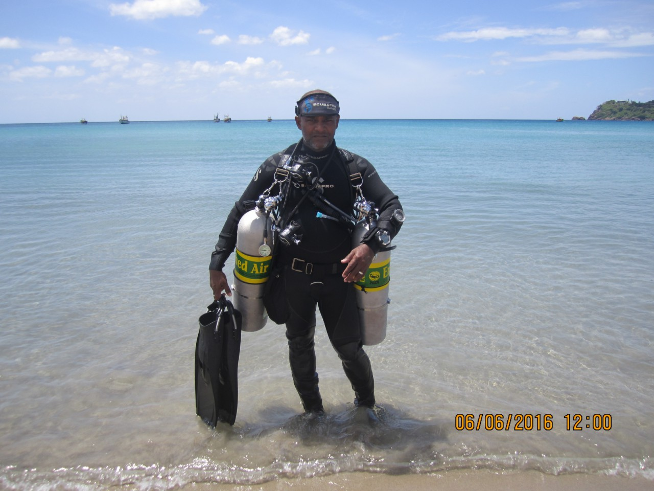 Come and learn to dive sidemount with us at Taprobane Divers!