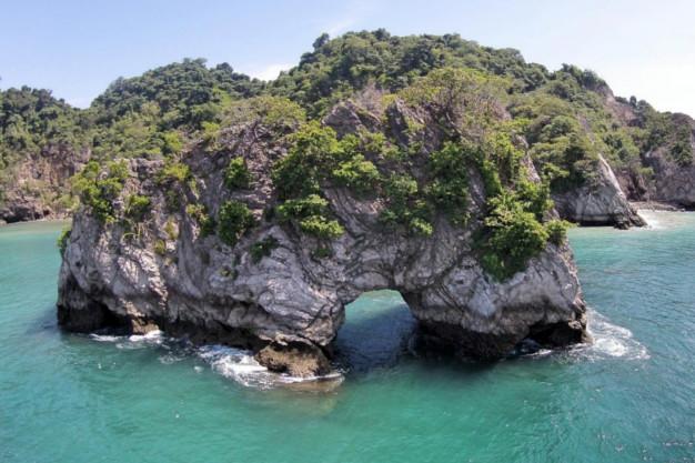 Los Morteros, Tortuga island, Costa Rica