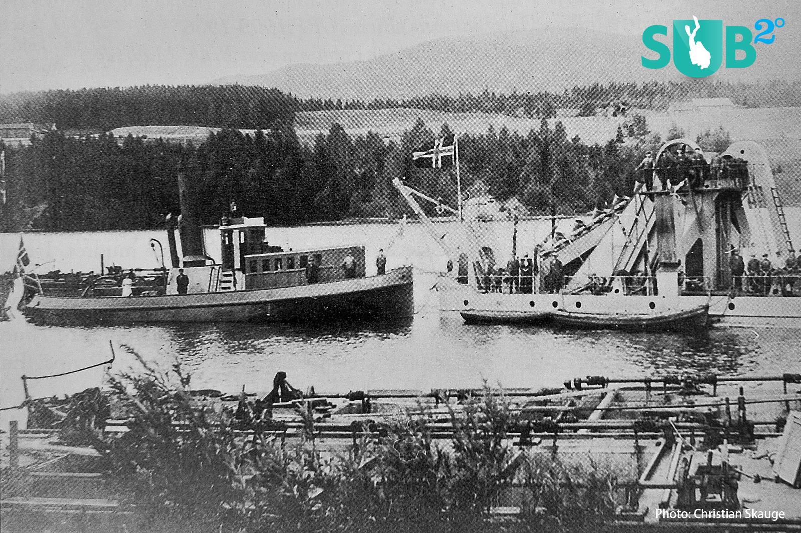 S/S Dølen in her prime, right behind the dredging excavator that was used to tow.