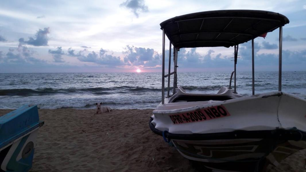 Sunset from our Negombo dive centre!