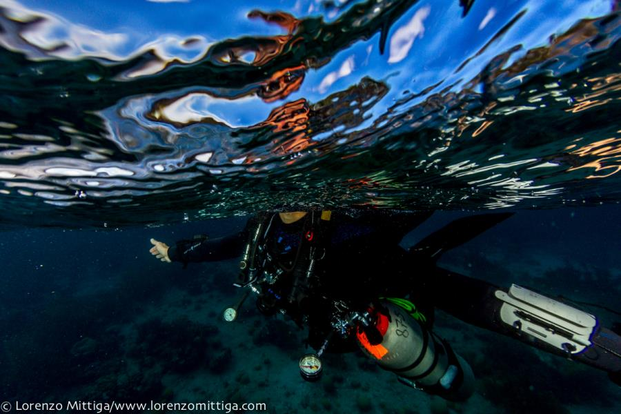Underwater Frontiers Team gets ready to go Diving